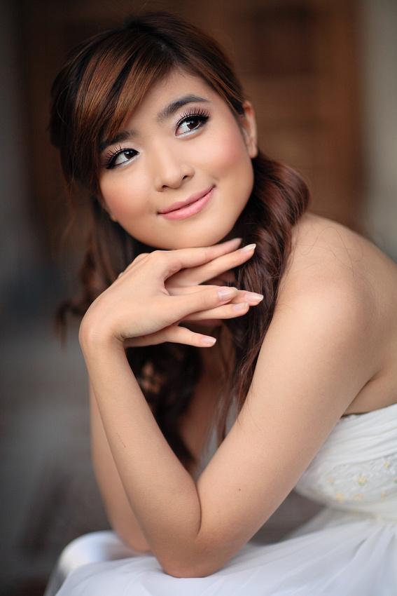 IMAGE: http://dawei.zenfolio.com/img/s8/v12/p423838316-5.jpg